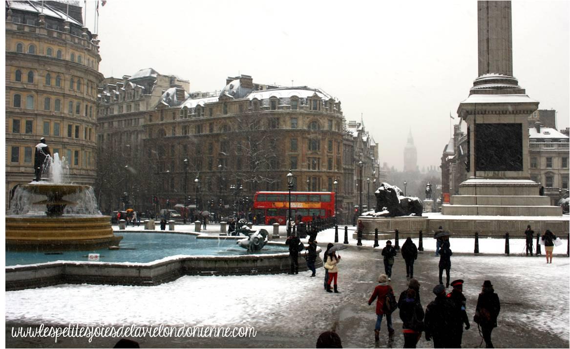 trafalgar square snowy