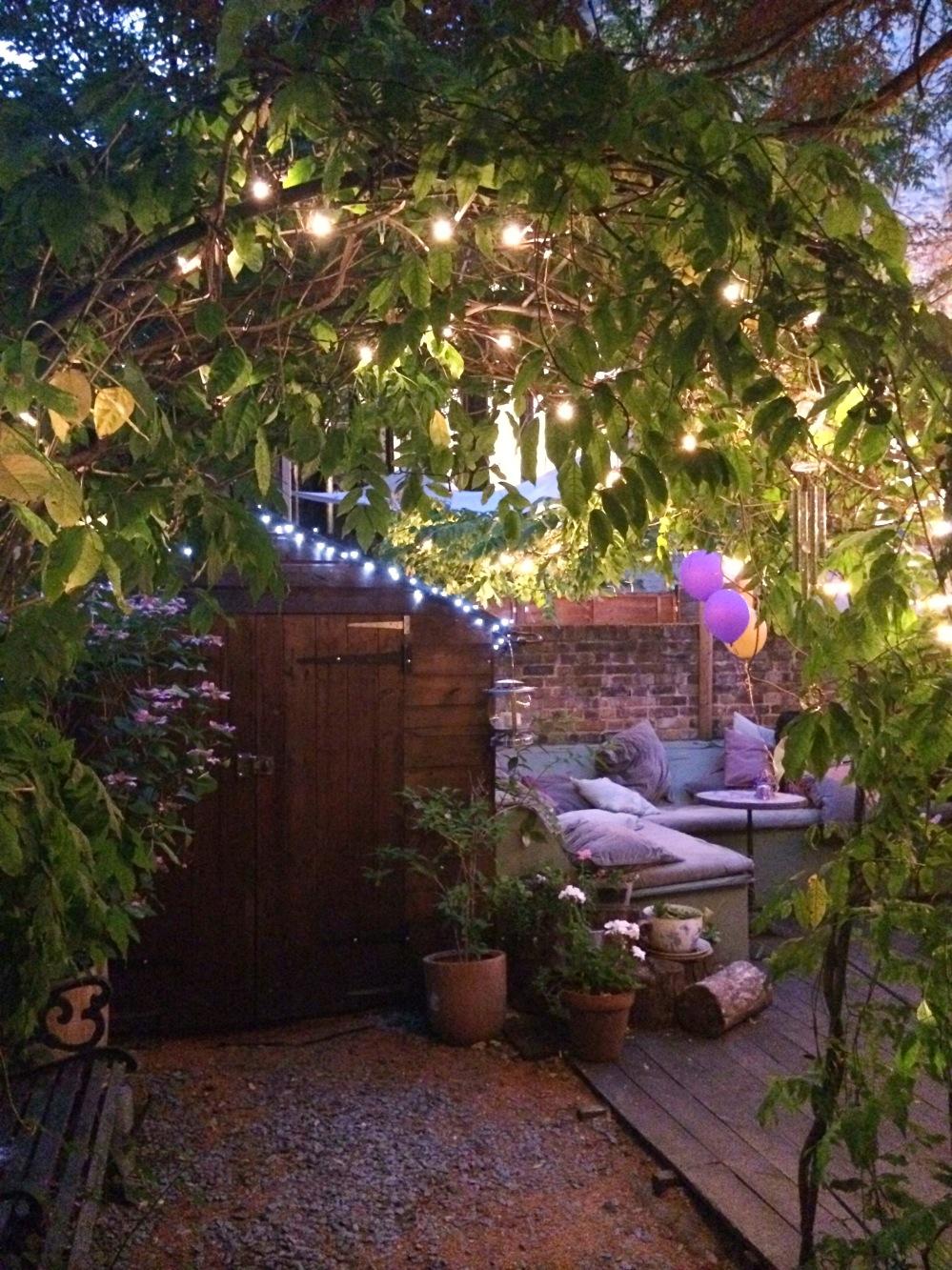 M tro clapham terrasse secr te la plus mignonne de for Lumieres exterieures pour jardin