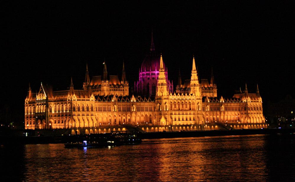 Parlement Budapest de nuit