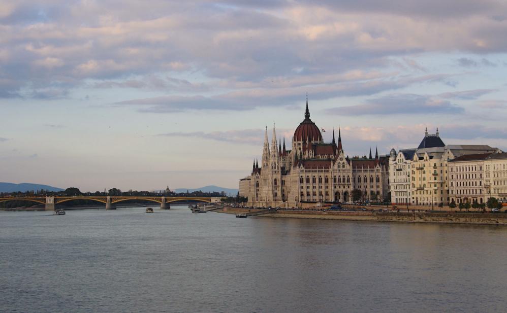 Parliament depuis pont aux chaines