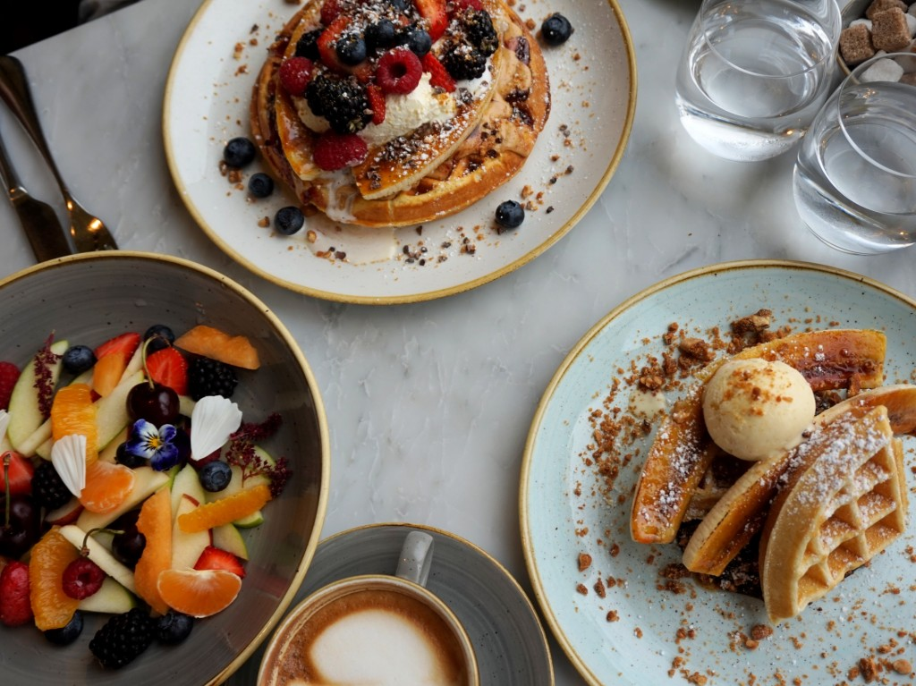 Brunch-Duck-and-Waffle-15