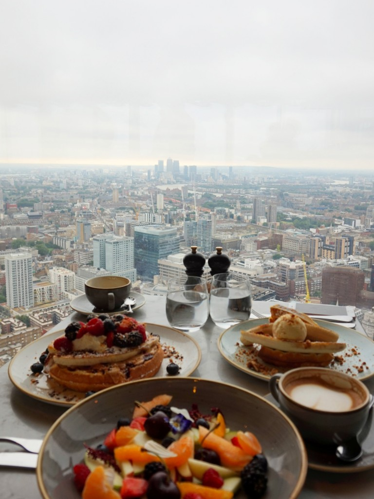 Brunch-Duck-and-Waffle-9