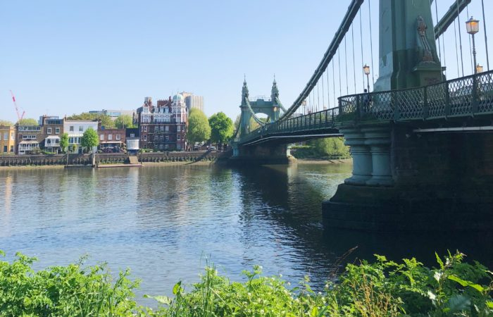 Courir a Londres Hammersmith Bridge